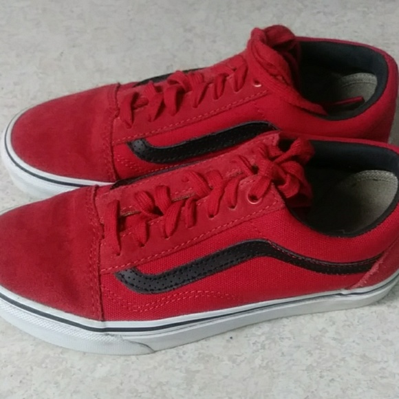 vans old skool suede red and black